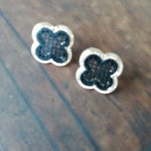 4 LEAF CLOVER IN GOLD AND ACRYLIC EARRINGS